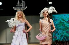 www.cz www.cz www. Swarovski, Formal Dresses, How To Make, Fashion, Moda, Formal Gowns, La Mode, Black Tie Dresses, Fasion