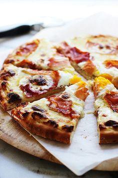 Croque Madame Pizza