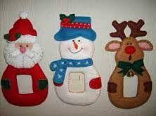 moldes de cubre apagadores navideños - Buscar con Google Christmas Mesh Wreaths, Felt Christmas Decorations, Crochet Christmas Ornaments, Christmas Mom, Christmas Stockings, Christmas Crafts, Felt Crafts, Merry, Halloween