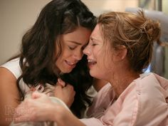 Jane the Virgin: Jane and Petra