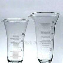Cálice de Vidro Graduado.  O cálice de vidro graduado é utilizado nas medidas não rigorosas de volumes de líquidos, viscosos ou não, na preparação de formulações líquidas com dissolução a frio com auxílio de bastão de vidro. Para saber preço, condições de pagamento e mais detalhes sobre esse produto acesse: www.aapace.com.br aproveite e faça seu cadastro. (11) 5671-7611 (11) 5011-7611 apace@apace.com.br WhatsApp: (11) 98600-4585