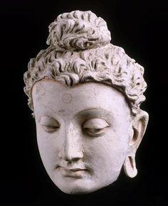 Tête de Buddha 3e siècle, 4e siècle stuc Afghanistan, Hadda, monastère de Tapa-Kalan, monastère de Hadda