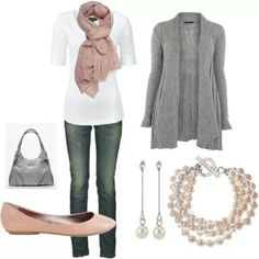 LOLO Moda: Fashionable Women Outfits grey and pink ohhh so girly and just cute love the jeans Pastel Outfit, Grey Outfit, Comfy Outfit, Brown Outfit, Mode Style, Style Me, Glam Style, Style Hair, Sweet Style