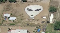 California Man Creates Extraterrestrial Rock Art in Backyard 'in Hopes of Inviting Aliens' to Home - ABC News California Backyard, Aliens And Ufos, Ufo Sighting, Out Of This World, Aerial Photography, Rock Art, Time Travel, Art Projects, Gallery Wall