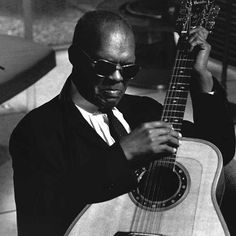 On this day in 1972, blind blues guitarist Reverend Gary Davis died of a heart attack at age 76