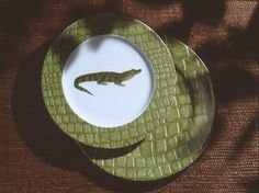 crocodile charger and dinnerplate.so jungle! (#safari, #out of africa, #jungle) Jungle collection, safari, , Dinnerware, porcelain, Africa, hand made,FRAGILE by Patricia Deroubaix.Limoges France