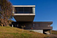 EG House | Nova Lima, Brazil| Play Arquitetura | photo © Leonardo Finotti