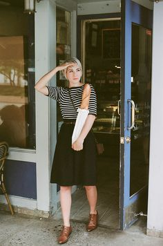Kathryn of Kitsune-Kun, vintage, stripes, skirt, tan oxfords, brogues, style, fashion, short hair, summer, autumn, bead, french, a line, full skirt