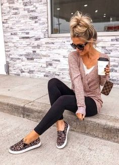 Fall Winter Outfits, Autumn Winter Fashion, Winter Fashion Outfits, Casual Outfits, Cute Outfits, Casual Leggings Outfit, Pretty Outfits, Leggings Fashion, Leggings Outfit Summer Casual
