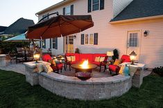 Best Outdoor Fire Pit Ideas to Have the Ultimate Backyard getaway! Spice up your patio with these 27 stunning fire pit seating ideas that our readers are loving right now! Build a unique outdoor fireplace using cool ideas! Fire Pit Seating, Backyard Seating, Diy Fire Pit, Fire Pit Backyard, Seating Areas, Cozy Backyard, Desert Backyard, Backyard Layout, Sloped Backyard