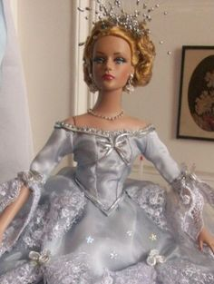 About Marie Antoinette: Sydney Imperiale  2006 series Tyler Wentworth AR Body LE 500 Exclusive