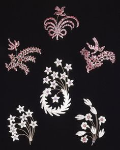 Turban ornament; (one of four items) gold and seed-pearls; in the form of a crescent; with three alternative trembler sprays. England ca. 1800