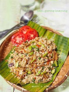 nasi goreng kampung Tasty Rice Recipes, Rice Recipes For Dinner, Cooking Recipes, Healthy Recipes, Dessert Recipes, Nasi Goreng Kampung, Nasi Liwet, Indonesian Food, Indonesian Recipes