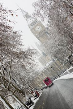 Snow in London, England