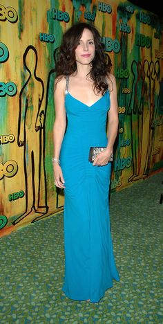 Beautiful Women Over 40, Beautiful Celebrities, Blue Evening Dresses, Formal Dresses, Mary Louise Parker, Dark Hair, Celebrity Photos, Awards, Fashion Looks