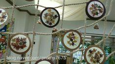 #가을낙엽으로단체작품만들기 #유아미술활동#어린이집유치원전시회 #학부모참여수업환경구성#교실꾸미기 Reggio Emilia, Wood, Home Decor, Google, Decoration Home, Woodwind Instrument, Room Decor, Timber Wood, Trees