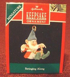 "1990 HALLMARK MINIATURE ORNAMENT "" STRINGING ALONG "" ELF KEEPSAKE - NIB"