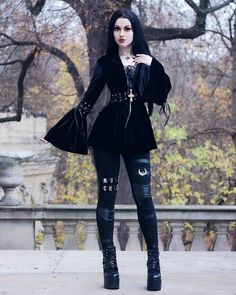 Alternative Photography, Fashion Models, Fashion Outfits, Romantic Lace, Gothic Outfits, Moon Child, Gothic Girls, Gothic Beauty, Back To Black
