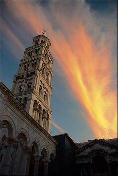 Split Hvar, San Francisco Ferry, Croatia, Nasa, Places Ive Been, Most Beautiful, World, Building, Travel