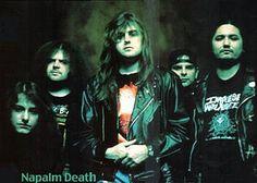 Napalm Death Napalm Death (с англ.—«напалмовая смерть») — британская дэт-метал-группа, основанная в 1981 году в Великобритании. Группа считается одним из основоположников жанра «грайндкор», возникшего на стыке трэшкора и краст-панк