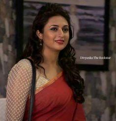 Beautiful Girl Indian, Most Beautiful Indian Actress, Beautiful Gorgeous, Beautiful Actresses, Indian Tv Actress, Indian Actresses, Divyanka Tripathi Saree, Blouse Neck Patterns, Hindi Actress
