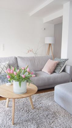 Gray and Pink Living Room Idea. Gray and Pink Living Room Idea. How to Add Gray to Your Home Décor Living Room Paint, Home Living Room, Living Room Decor, Living Room Interior, Interior Design Living Room, Living Room Designs, Diy Interior, Living Room Inspiration, Inspiration Wall