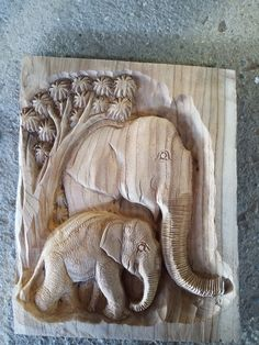 Animal Sculptures, Lion Sculpture, Clay Animals, Whittling, Carved Wood, Wood Carving, Puzzles, Statue, Facebook