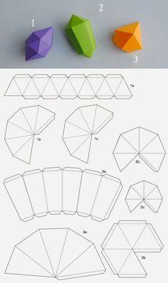 Геометрические фигуры из бумаги покоряют четкостью, даже строгостью своих линий, при этом выглядят очень оригинально, а сделать их весьма просто. Имея лист бумаги, клей-карандаш и несколько свободных минут, можно создать своими руками удивительный декор для дома. Можно превратить их в елочные игрушки или подвесы к люстре: Коробочки для подарков: Или «печенье» с пожеланиями,…