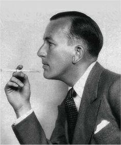 Photo: Dorothy Wilding. Noel Coward, 1930.