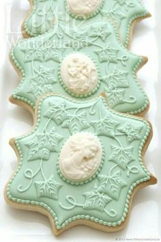 Cameo Cookies ~ Cookie Connection - nice for a Victorian wedding Cameo Cookies, Fancy Cookies, Iced Cookies, Royal Icing Cookies, Sugar Cookies, Cupcakes, Cupcake Cookies, Wedding Cookies, Cookie Designs