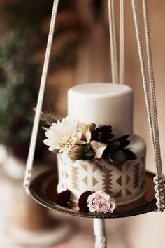 Love the Aztec print on this cake for a desert inspired wedding. Enchanting Southwestern Inspired Abiquiu, New Mexico Wedding on Rio Chama Western Wedding Cakes, Western Cakes, Black Wedding Cakes, Bohemian Cake, Exotic Wedding, Purple Wedding, Gold Wedding, Wedding Ceremony, Dream Wedding