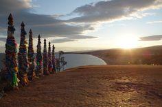 Un panorama haut en couleur de la Mongolie est au rendez-vous durant une aventure de 6 semaines depuis la ville d'Irkoutsk, l'île d'Olkhone, le lac Baïkal, la tribu Tsaatans, Karakorum, une partie du transsibérien.  #voyage #mongolie #carnetvoyage #myatlas #olkhone https://www.myatlas.com/archeodiffusion/lac-baikal-et-aventure-en-mongolie?utm_content=buffer0c377&utm_medium=social&utm_source=pinterest.com&utm_campaign=buffer