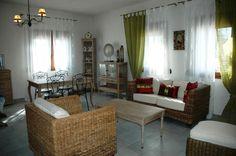 Villa Paradisos 1 Pitsidia - Essbereich Villa P1 Divider, Room, Furniture, Home Decor, Mansions, Cottage House, Bedroom, Rooms, Interior Design