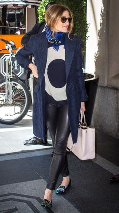 Let's face it: We all want to have Olivia Palermo style. Here are 28 times Palermo proves she is an insanely fashionable human. Olivia Palermo Outfit, Estilo Olivia Palermo, Olivia Palermo Lookbook, Olivia Palermo Style, Look Casual Otoño, Style Casual, Winter Chic, Autumn Winter Fashion, Love Fashion