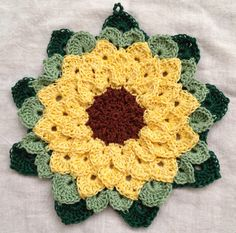 Sunflower potholder using crocodile stitch