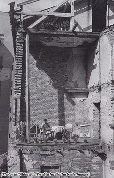 1945 Berlin,provisorischer Balkon