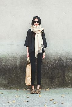 Black skinny cropped pants, leopard flats, slouchy sweater, camel scarf, black and gray, tote, outfit