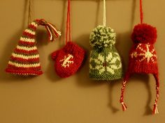 Ravelry: Mini Mits and Hats pattern by Anna Nikipirowicz