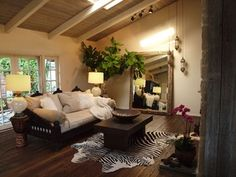 Sofa and Daybed - eclectic - living room - los angeles - by Keyla Torres -Tara Design