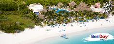 """"""" Catalonia Royal Tulum es un hotel preocupado por la ecología, por lo que su construcción respeta el entorno natural que le rodea, cuenta con 288 habitaciones, incluyendo árboles, manglares y nacimientos de agua. Ubicado a la orilla de la playa, ofrece un plan Todo Incluido dirigido a las personas mayores de 18 años que deseen vacacionar en el área de Xpu-Há, en la Riviera Maya. #OjalaEstuvierasAqui """""""