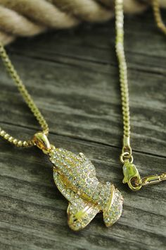 """Gorgeous sparkle necklace - NEW ICED OUT PRAYING HAND PENDANT & 24"""" BOX/ROPE CHAIN HIP HOP NECKLACE"""