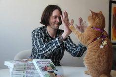 Una reseña más en la imparable viralidad del nuevo libro de James Bowen y un gato callejero llamado Bob. Esta corresponde a Fantasymundo.com