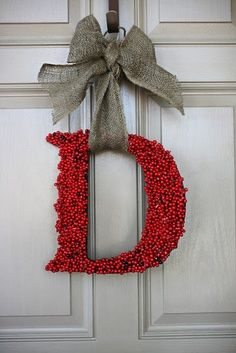 burlap christmas ornaments So cute for a front door instead of a wreath! I should make this for my mom!