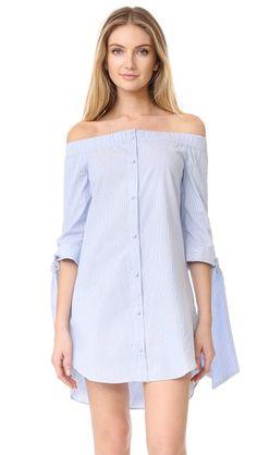 ¡Consigue este tipo de vestido informal de ENGLISH FACTORY ahora! Haz clic para ver los detalles. Envíos gratis a toda España. ENGLISH FACTORY Stripe Off Shoulder Dress: Pinstripes add a menswear-inspired touch to this off-shoulder ENGLISH FACTORY shift dress. Elastic neckline. Button placket. Half sleeves with tie cuffs. Unlined. Fabric: Oxford shirting. 80% polyester/20% cotton. Hand wash. Imported, China. Measurements Length: 30.25in / 77cm, from center back Measurements from size S…