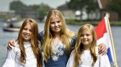 Nieuwe foto's koninklijke familie: varen op de Kagerplassen - RTL Nieuws