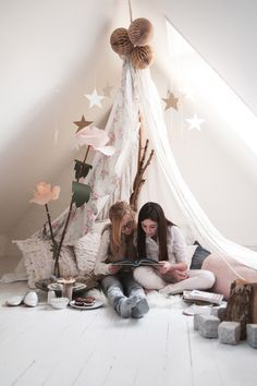 Un tipi dans ma chambre My New Room, My Room, Girl Room, Girls Bedroom, Bedroom Ideas, Master Bedroom, Bedrooms, Indoor Forts, Deco Kids