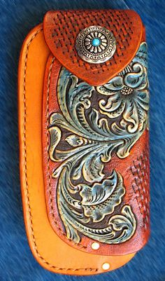 Leather Carving, Leather Art, Sewing Leather, Custom Leather, Tooled Leather, Wood Carving, Leather Tooling Patterns, Leather Pattern, Leather Phone Case