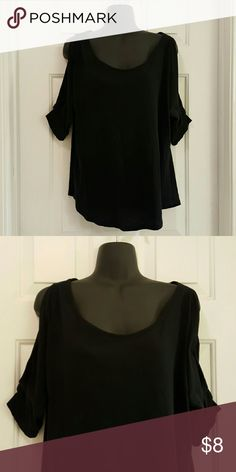 NY&CO Black Cold Shoulder Top NY&CO Black Cold Shoulder Top. 100% Cotton. Gently worn. Good condition. Length from shoulder to hem is approx 24 inches. New York & Company Tops Tees - Short Sleeve