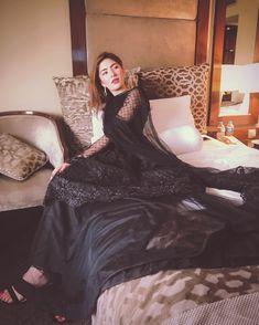 Top Pakistani Actresses who love to wear Black Dress in 2020 color of Pakistani Actresses who wear special black dress. Many Pakistani Actress who were Black. Black Pakistani Dress, Asian Wedding Dress Pakistani, Pakistani Formal Dresses, Pakistani Fashion Party Wear, Pakistani Dress Design, Pakistani Outfits, Pakistani Gharara, Black Anarkali, Wedding Dresses For Girls