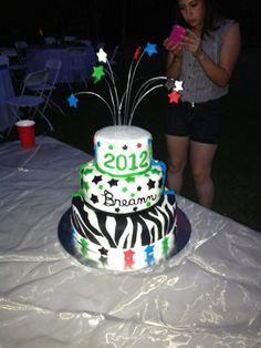 The finished graduation cake